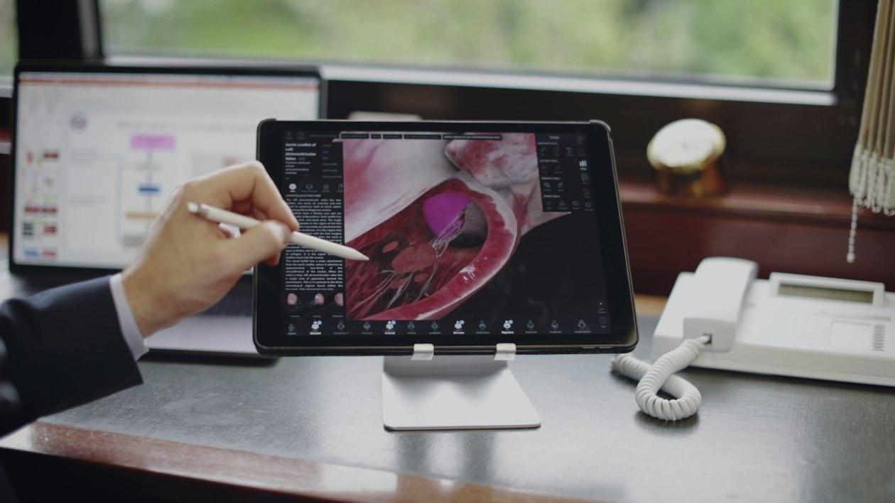 Complete Anatomy on the iPad Pro